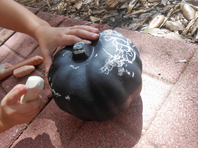 chalkboard pumpkins halloween and thanksgiving crafts for kids