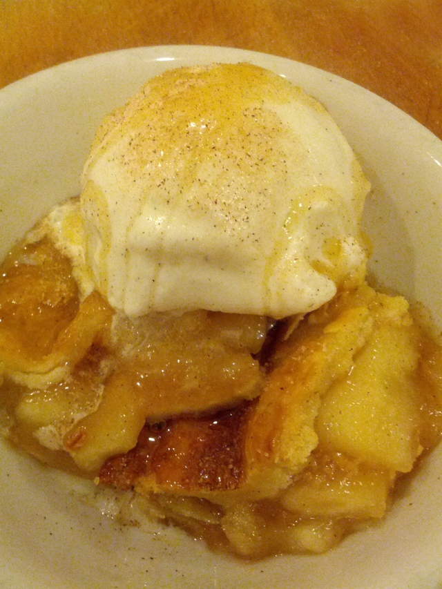 Honey Cinnamon Apple Pie a la Mode