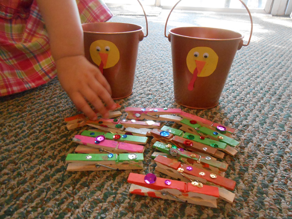 Turkey Treasure Buckets | Great Thanksgiving Activity for Kids!