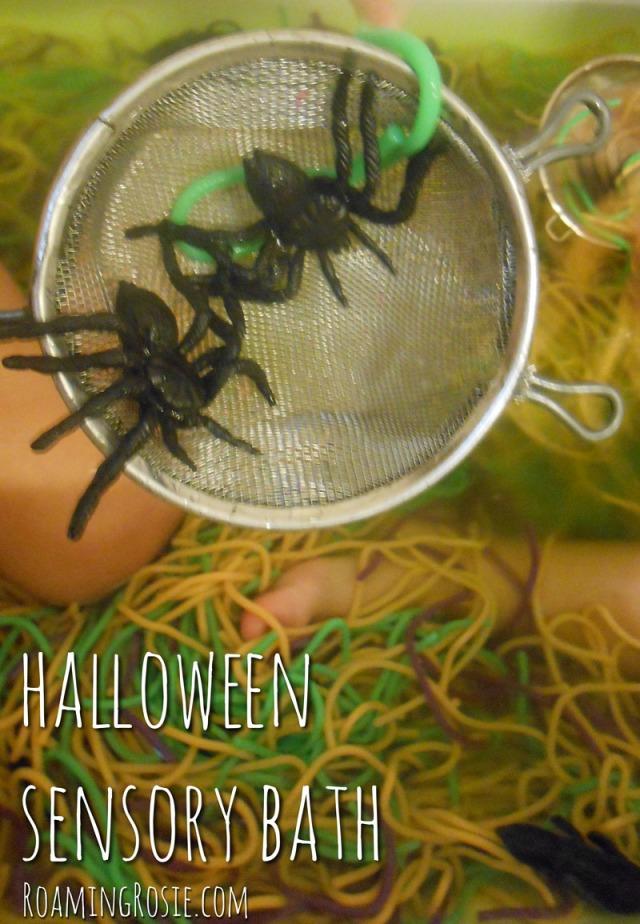 Halloween Sensory Bath {RoamingRosie.com}