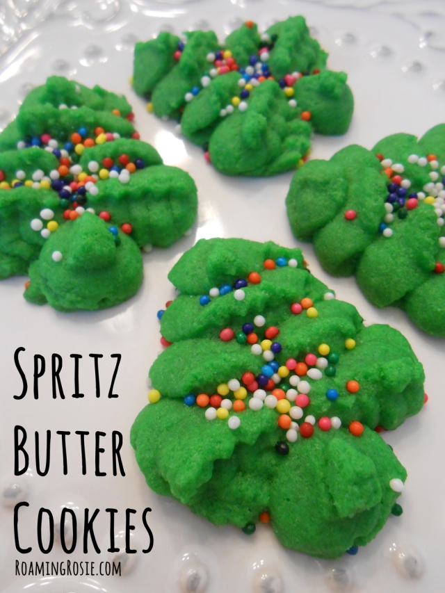 Spritz Butter Cookies with FREE Printable Recipe at RoamingRosie.com