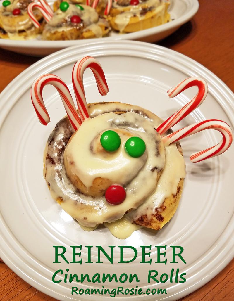 Reindeer Christmas Cinnamon Rolls 2