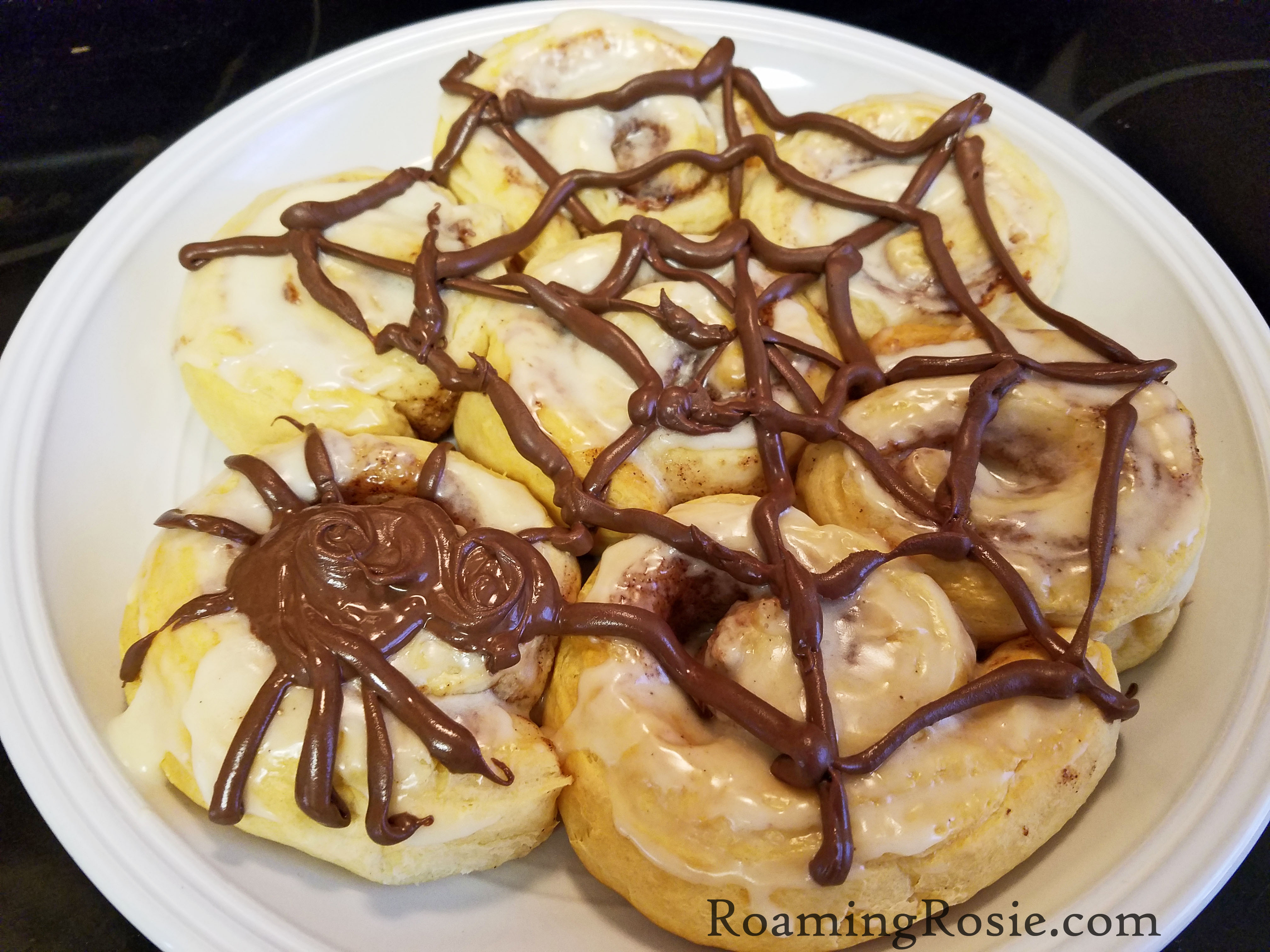 spiderweb cinnamon rolls 2